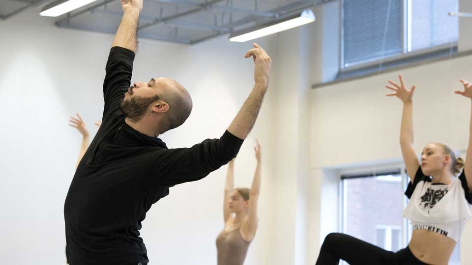 Tero Saarinen Company Winter Intensive With Focus On Repertoire